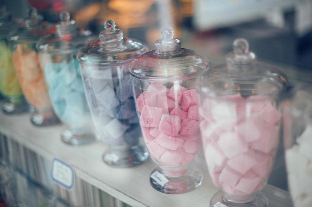 arredamento di un negozio di caramelle
